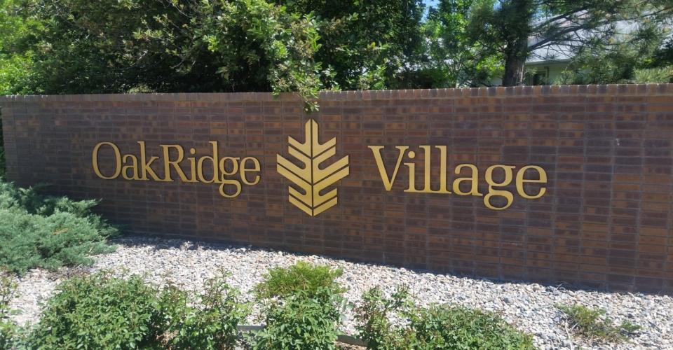 Oakridge sign