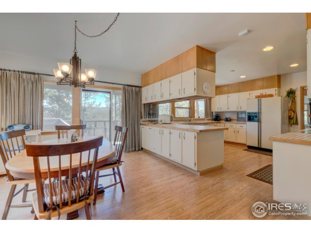 18-28556 Evergreen Manor Dr